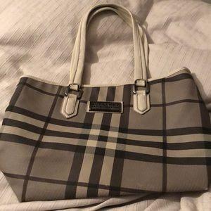 Handbags - Burberry bag gray check tote